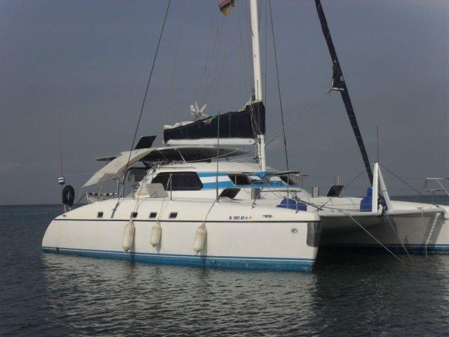 catamaran 35 pies